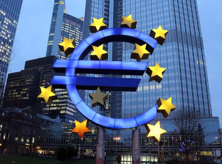 ECB gaat door met opkoopprogramma, halveert opkoopbedrag